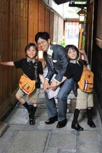 Rohan and Rafael with uncle Hiroyuki, Kyoto